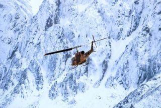 مردم یاری ارتش در برف و کولاک استان گیلان