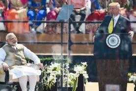 ترامپ در هند از آمادگی آمریکا برای فروش تجهیزات نظامی به هند خبر داد