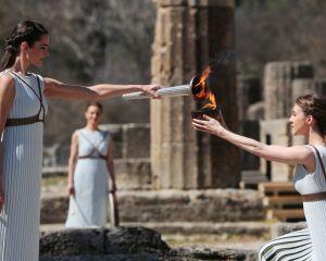 مراسم روشن کردن مشعل المپیک در یونان