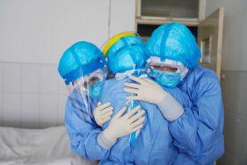 به پزشکان و پرستاران رحم کنید