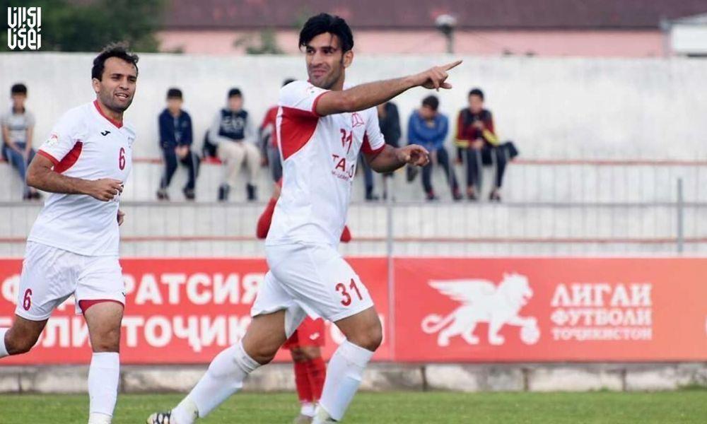 تنها بازیکن ایرانی که بدون توجه به کرونا هنوز فوتبال بازی می کند!