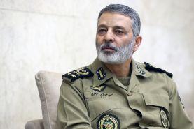 فرمانده کل ارتش در پیامی به سپاه  پرتاب موفقیت آمیز ماهواره نظامی نور را تبریک گفت