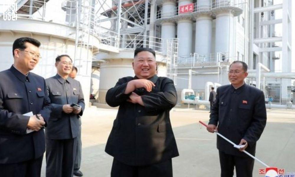 حضور کیم جونگ اون در یک مراسم رسمی