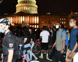 کاخ سفید در محاصره معترضان