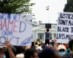 مردم علیه نژادپرستی