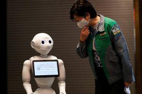 ربات های ژاپنی کمکرسان سالمندان در دوران کرونا
