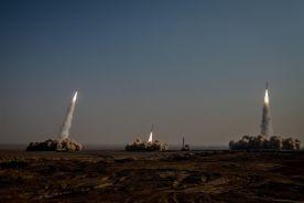 فاکس نیوز : اصابت موشک های ایرانی در 100 مایلی ناو نیمیتز