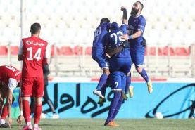 استقلال با برد تراکتور صدرنشین شد ؛ بازگشت شیخ با 2 گل