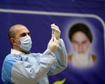 عکس آغاز واکسیناسیون در ایران با واکسن روسی «اسپوتنیک وی»