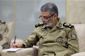 تبریک فرمانده ارتش به مناسبت روز پاسدار