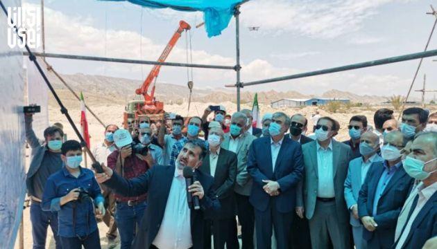 آغاز لوله گذاری طرح انتقال آب دریا به فارس