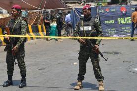 به اهتزار درامدن پرچم طالبان این بار در پاکستان