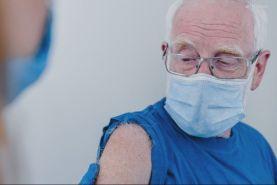 مجوز تزریق دوز تقویتی برای سنین 65 به بالا