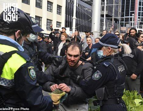 درگیری نیروهای امنیتی استرالیا با مخالفین محدودیت های کرونایی
